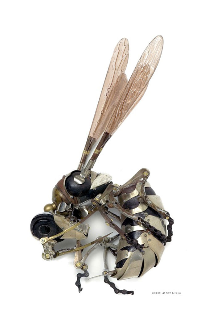 Insects-Marvelous Metallic Animal Sculptures Made Using Everyday Objects -9