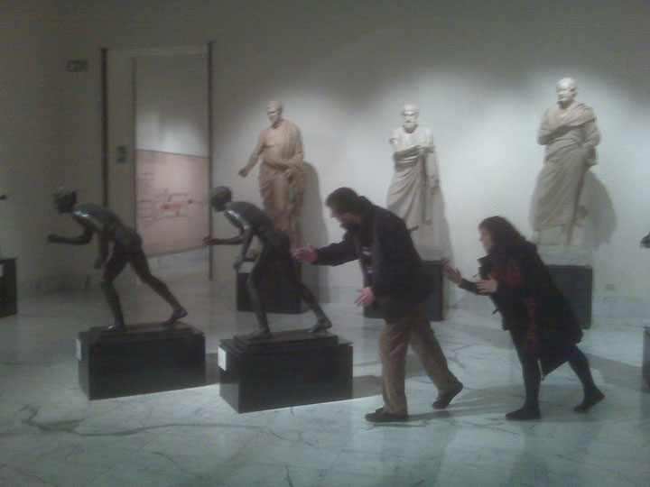 22 People Caught Having Fun In The Museum-11