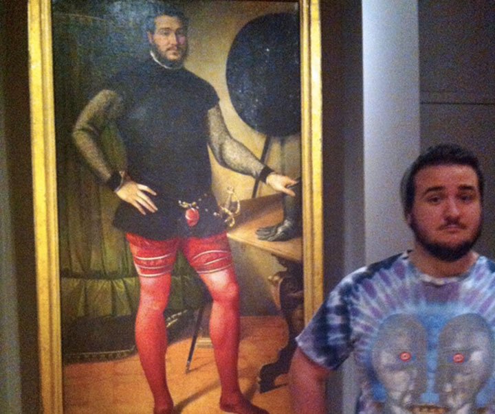 22 People Caught Having Fun In The Museum-7