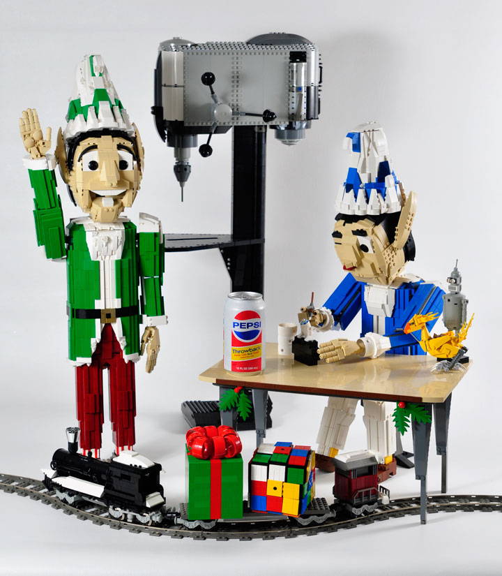 A Passionate Creates Realistic Sculptures Of Pop Culture Icons With LEGO-14