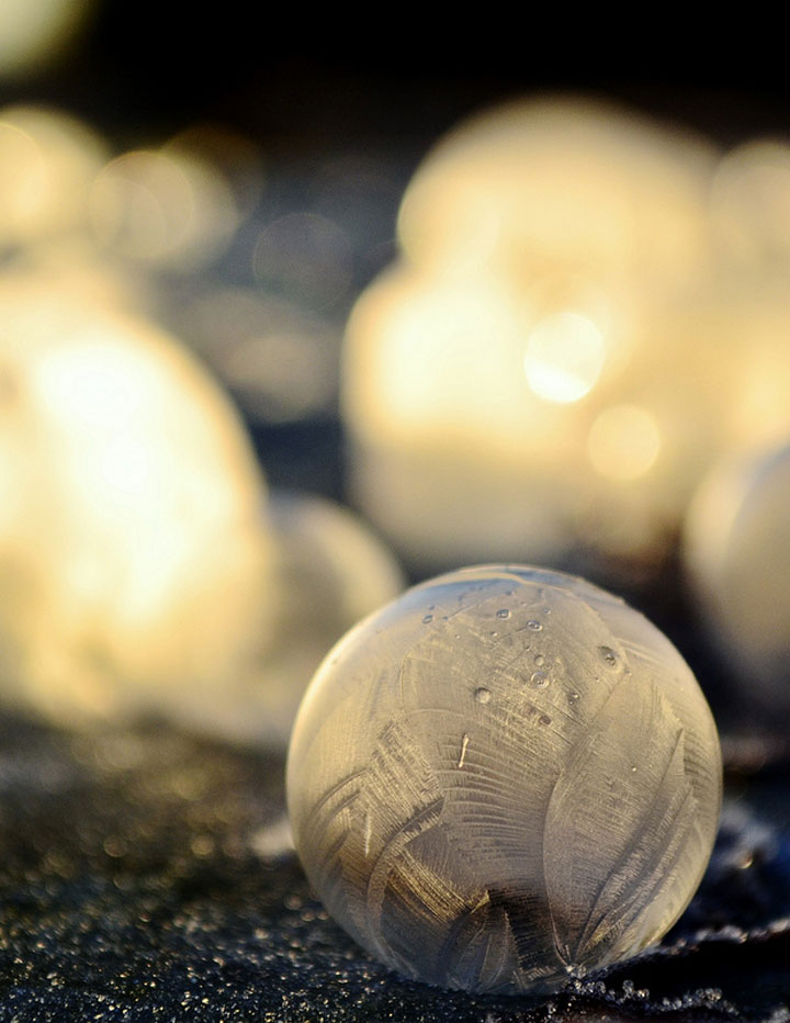 Soap Bubbles Crystallize Into Wonderful Shapes In The Cold Winter-10
