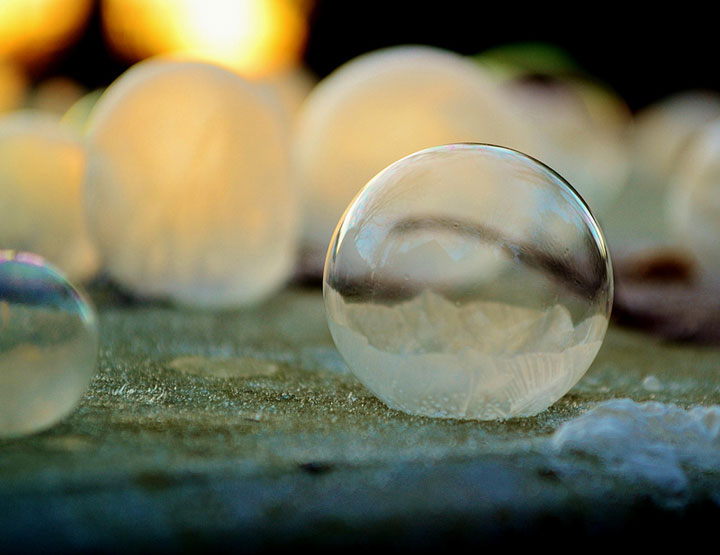 Soap Bubbles Crystallize Into Wonderful Shapes In The Cold Winter-3