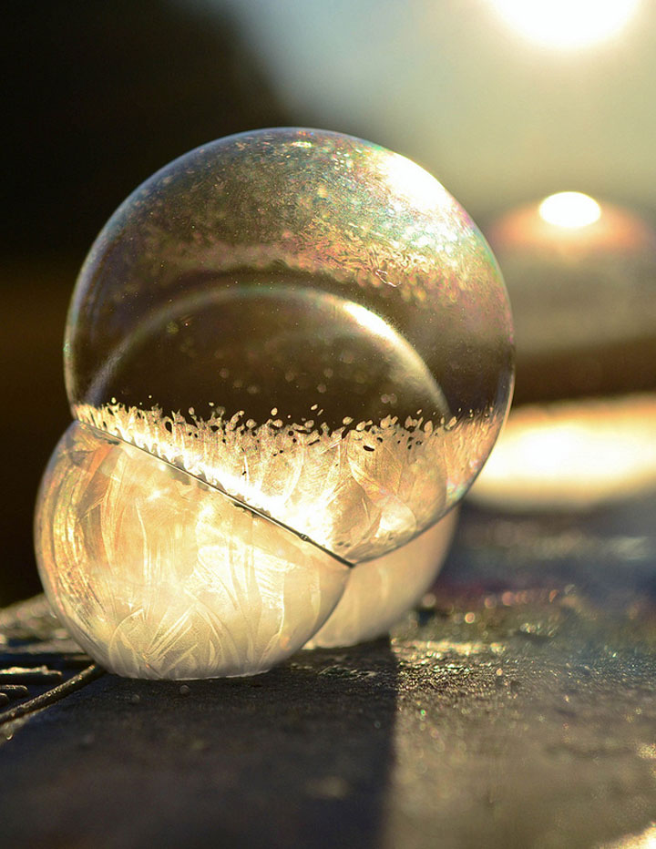 Soap Bubbles Crystallize Into Wonderful Shapes In The Cold Winter-5