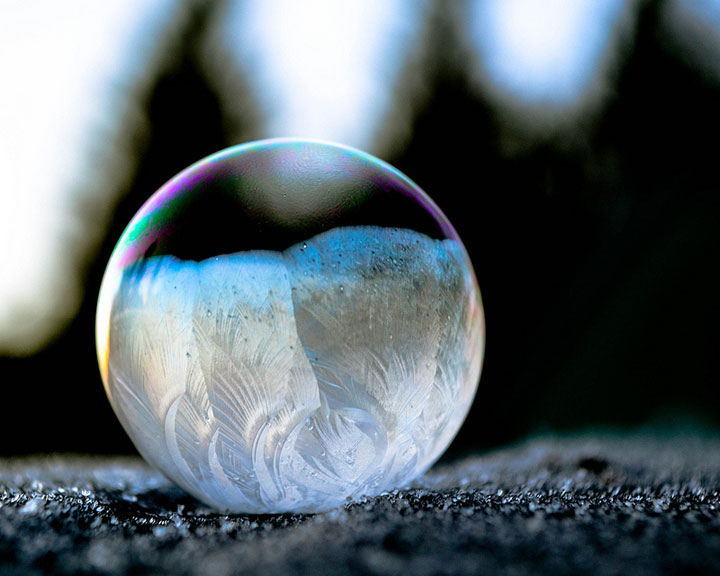 Soap Bubbles Crystallize Into Wonderful Shapes In The Cold Winter-6