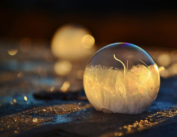 Soap Bubbles Crystallize Into Wonderful Shapes In The Cold Winter-7