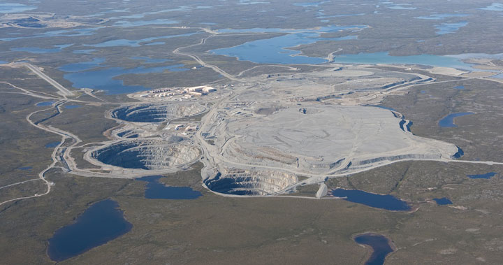 The Ekati Diamond Mine, Canada-The Top 15 Most Impressive/strange Craters On the surface of Earth-6