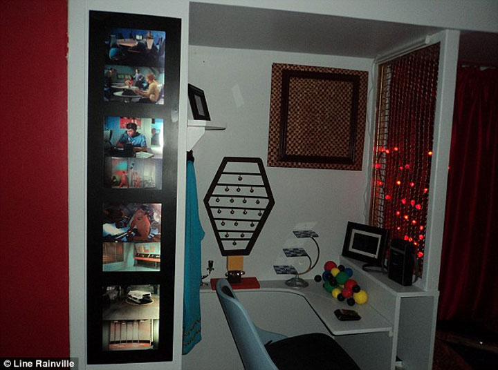 A Fan Of Star Trek Spends $30,000 Transform Her Apartment Into A Star Trek Ship-1