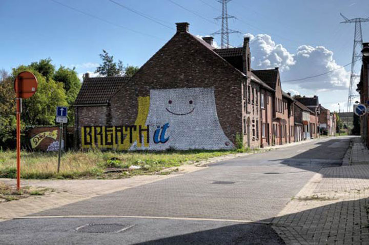 An Abandoned Flemish City Becomes A Giant Canvas Dedicated To Street Art (Photo Gallery)-12