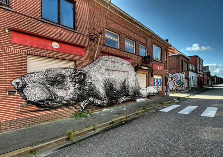 An Abandoned Flemish City Becomes A Giant Canvas Dedicated To Street Art (Photo Gallery)-3