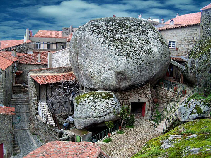 Monsanto - Portugal-Atypical architecturaly exotic Cities-10