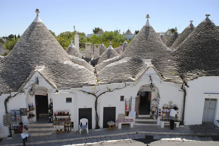 Alberobello - Italy-Atypical architecturaly exotic Cities-13