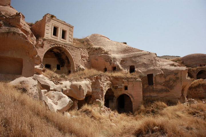 Goreme - Turkey-Atypical architecturaly exotic Cities-16