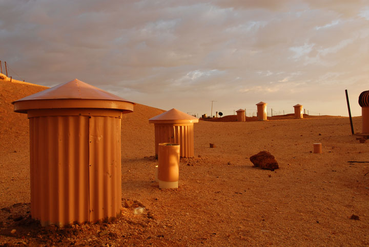 Coober Pedy - Australia-Atypical architecturaly exotic Cities-27