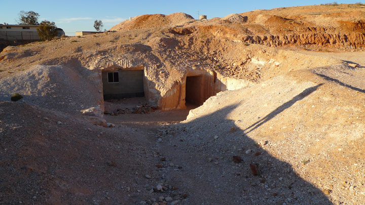 Coober Pedy - Australia-Atypical architecturaly exotic Cities-28