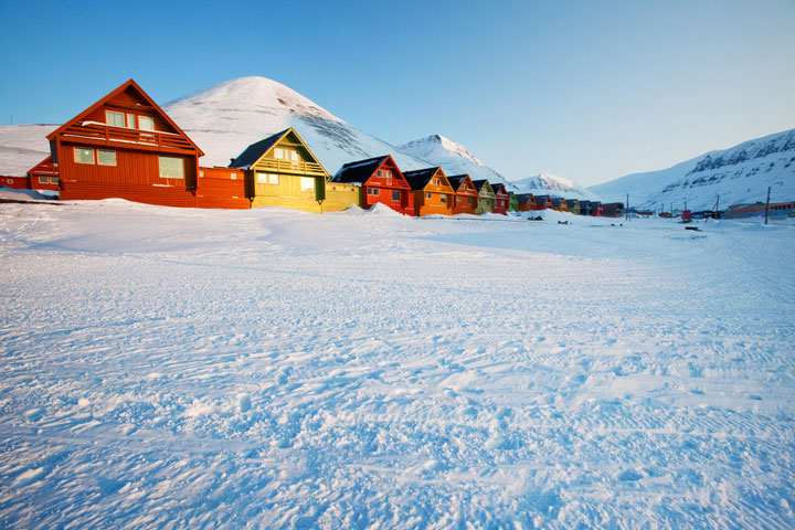 Longyearbyen - Norway-Atypical architecturaly exotic Cities-30
