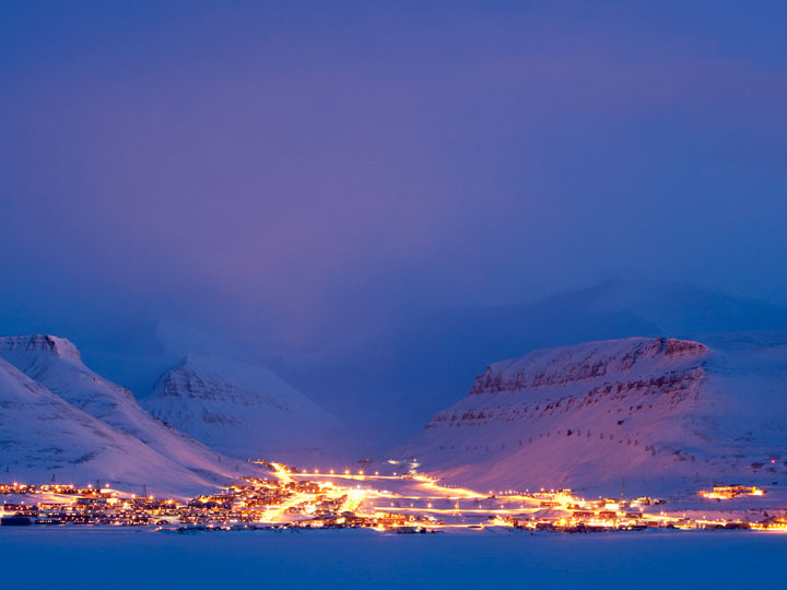 Longyearbyen - Norway-Atypical architecturaly exotic Cities-32