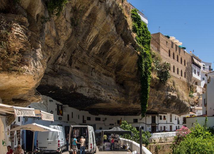 Setenil de las Bodegas - Spain-Atypical architecturaly exotic Cities-4
