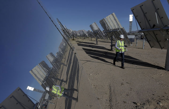 Ivanpah Solar Electric Generating System-World largest power plant can power 140000 homes-5