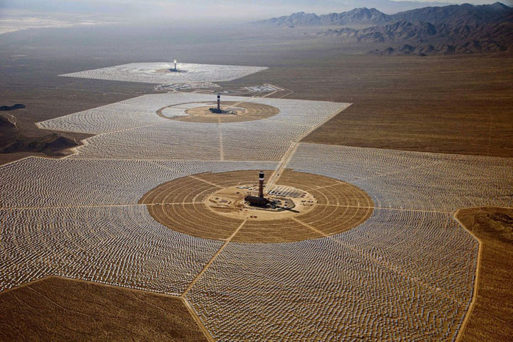 Ivanpah Solar Electric Generating System-World largest power plant can power 140000 homes-7