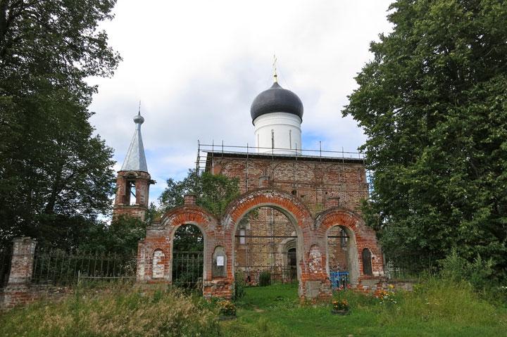 Medvedova-Pustyn, Russia-Abandoned churches around the world-15
