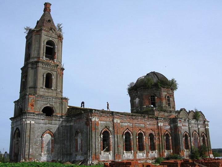 Rozhdestveno, Russia-Abandoned churches around the world-23