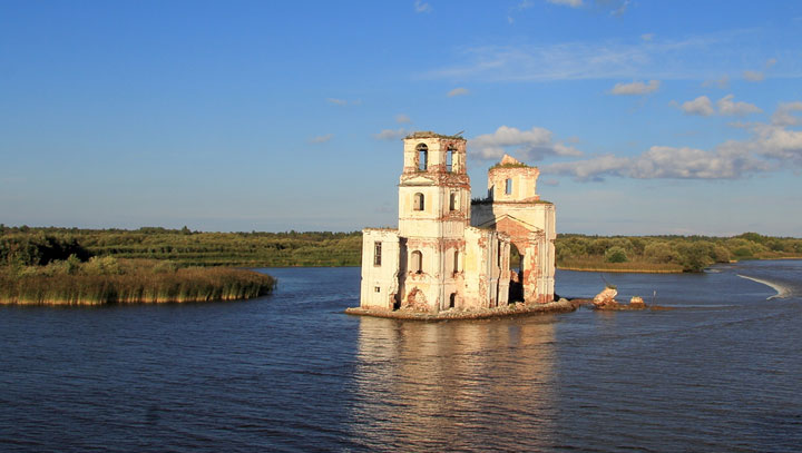 Goritsy, Russia-Abandoned churches around the world-3