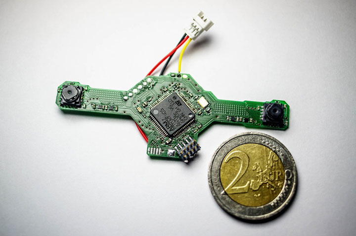 Dutch Scientist Create World smallest Minidrone of the size dragonfly-1