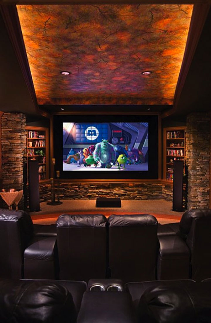 Geek Culture: Top 20 Examples Of Geek Living Rooms -4