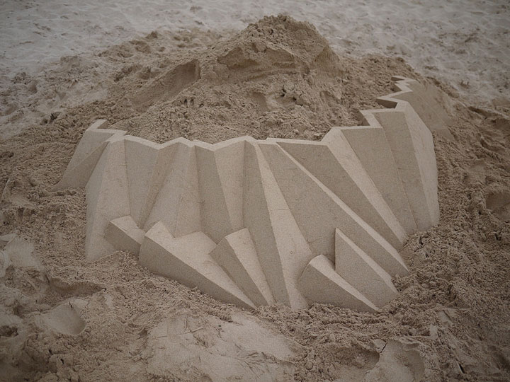 Geometric Sand Castles That Are True Architectural Masterpieces -
