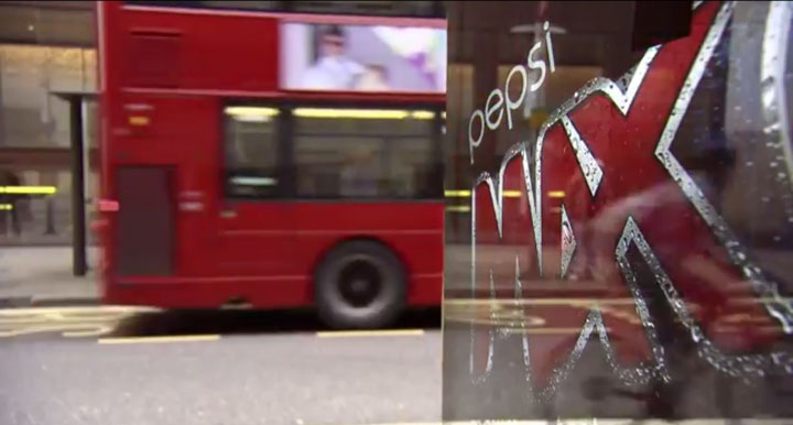 Incredible Bus Stop Shelters Uses Augmented Reality To Stun The Passengers (Video)-1