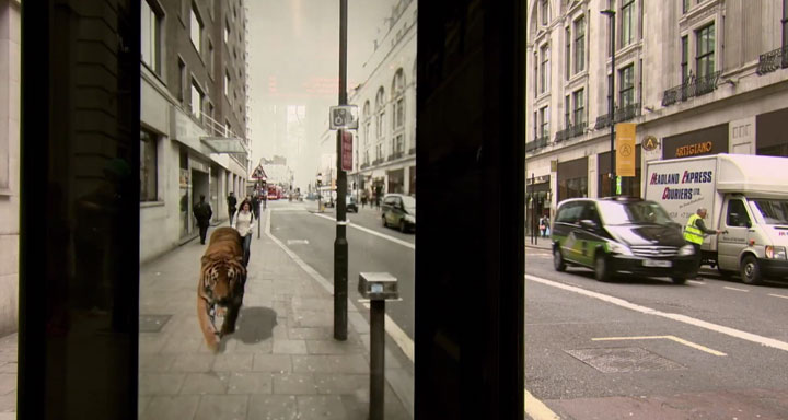 Incredible Bus Stop Shelters Uses Augmented Reality To Stun The Passengers (Video)-6