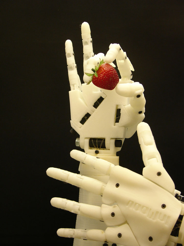 Inmoov: The First Humanoid Robot That You Can Print At Home Using 3D Printer-6