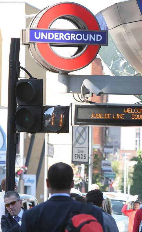 London-Smart Pedestrian Crossing System Trials To Begin Soon-