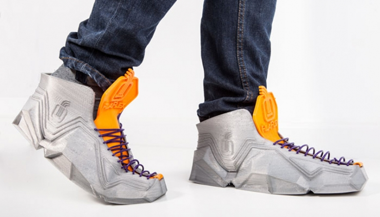Sneakerbot-A Flexible Pair of Sneakers Made Using 3D Printing Can Even Fit In Your Pocket-