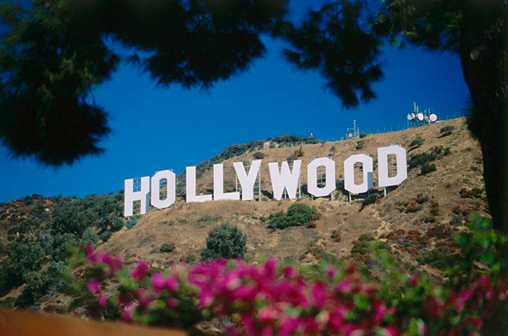 Hollywood-The real surroundings Of Famous Tourist Destination Monumentsstcard-18