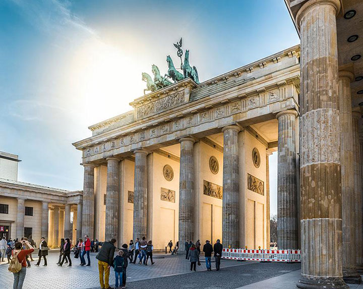 The Brandenburg Gate-The real surroundings Of Famous Tourist Destination Monumentsstcard-6
