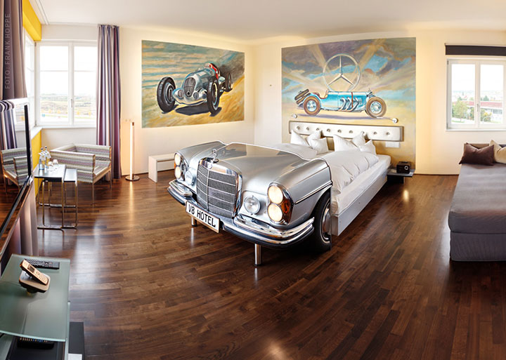 V8 Hotel-A Hotel Dedicated To Automobiles Lets You Sleep In The Most Comfortable Cars (Photo Gallery)-15