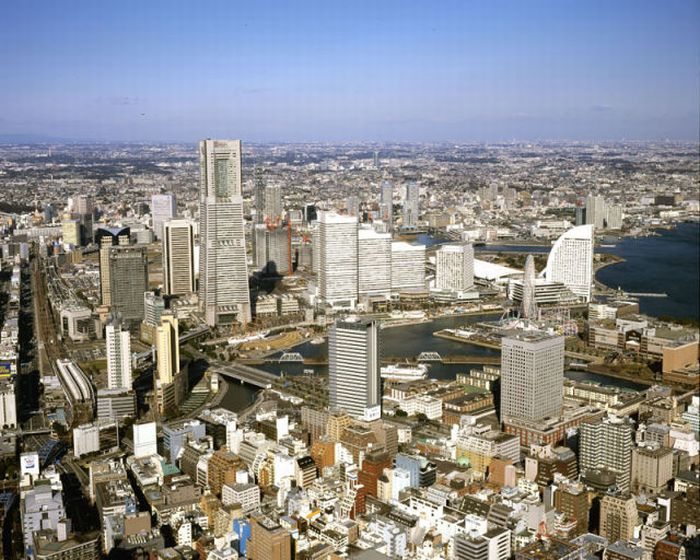 Yokohama 1978 - 2006-The Change In The Skyline Of World's Top 11 Most Famous Cities-9