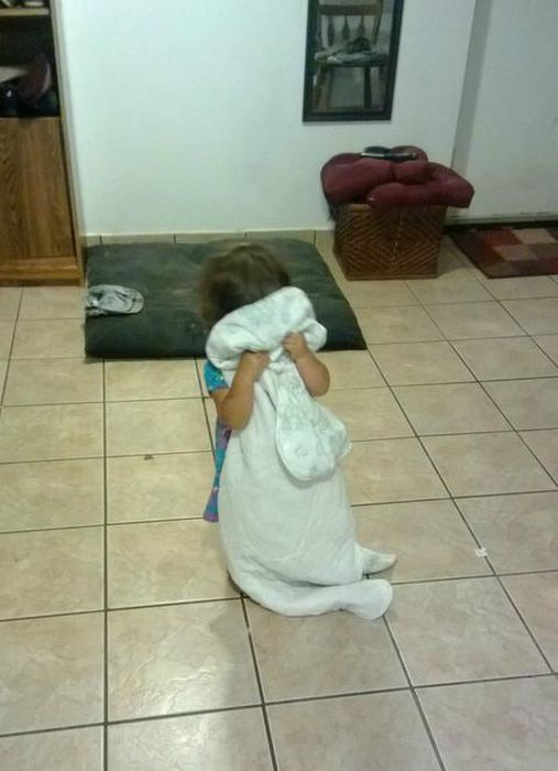 Top 20 Children Playing Hide and Seek Really Badly -11