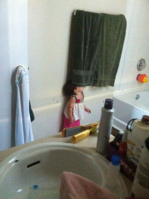 Top 20 Children Playing Hide and Seek Really Badly -16