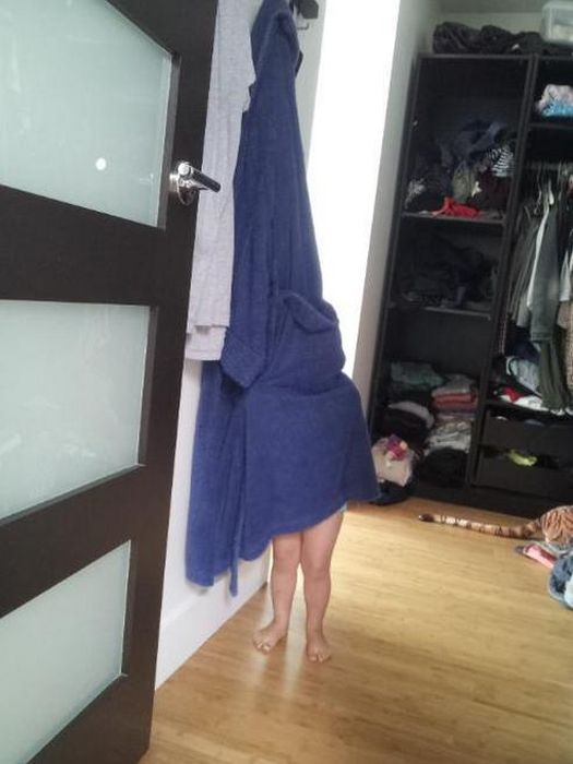 Top 20 Children Playing Hide and Seek Really Badly -8