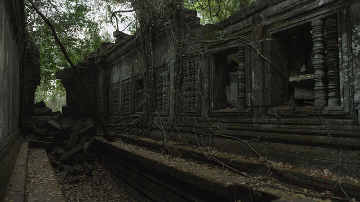 Google Street View Takes You To The Gigantic Temples of Cambodia-11