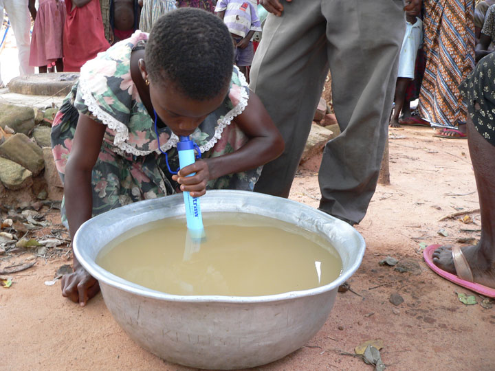 LifeStraw Can Save Millions Of Lives By Cleaning Dirty Water-4