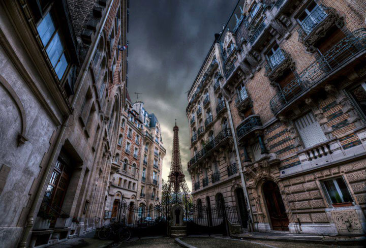 15 Photographs Prove That Paris Is Indeed The City Of Lights-12