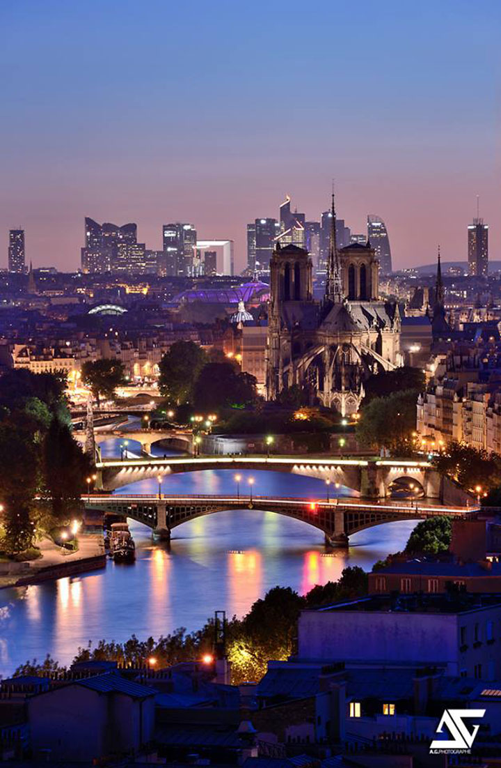 15 Photographs Prove That Paris Is Indeed The City Of Lights-5