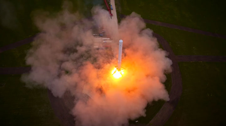 Watch The Spectacular Takeoff And Landing Of A Rocket As Filmed By A Drone (Video)-5
