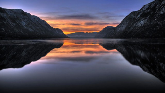 Årdal Fjord -Norway-Stunning Photographs Reveal The Astounding Beauty Of our planet-11