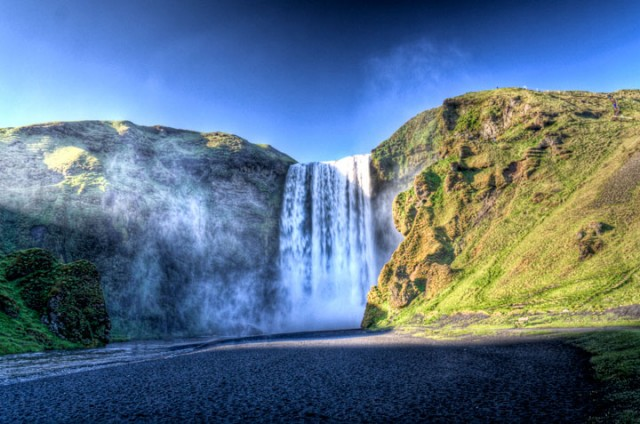 Skogafoss -Iceland-Stunning Photographs Reveal The Astounding Beauty Of our planet-5