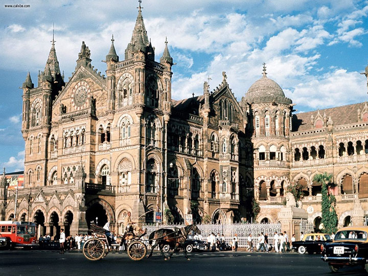 Chhatrapati Shivaji Terminus, India-World's Top 6 Most Majestic And Beautiful Train Stations-10
