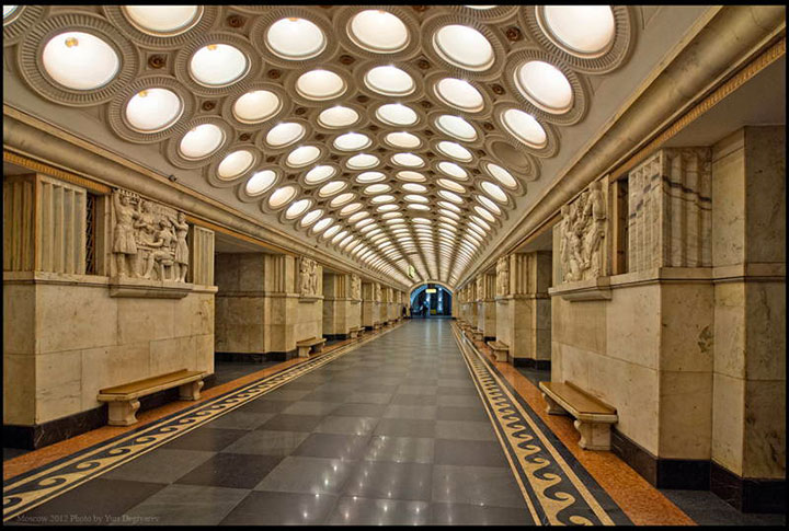Elektrozavodskaya and Komsomolskaya stations, Moscow-World's Top 6 Most Majestic And Beautiful Train Stations-12